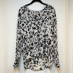 VINCE Long Sleeve Black and White Print Blouse